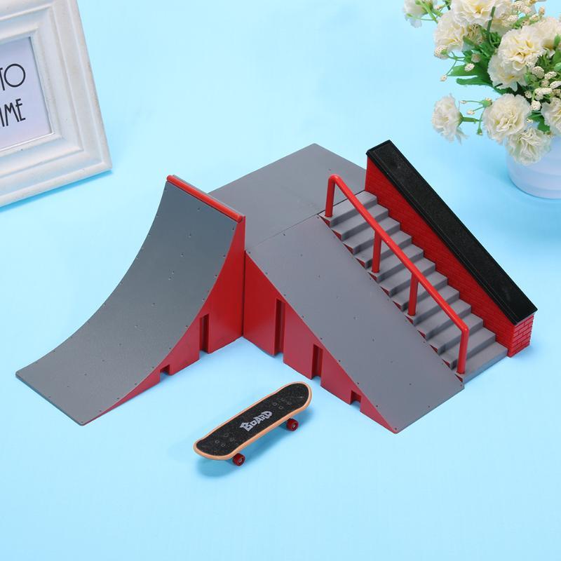1 Set Mini Table Game Finger Skating Board With Ramp Track Toy Set For Kids Finger Skate Training Board DIY Skateboard Kids Gift
