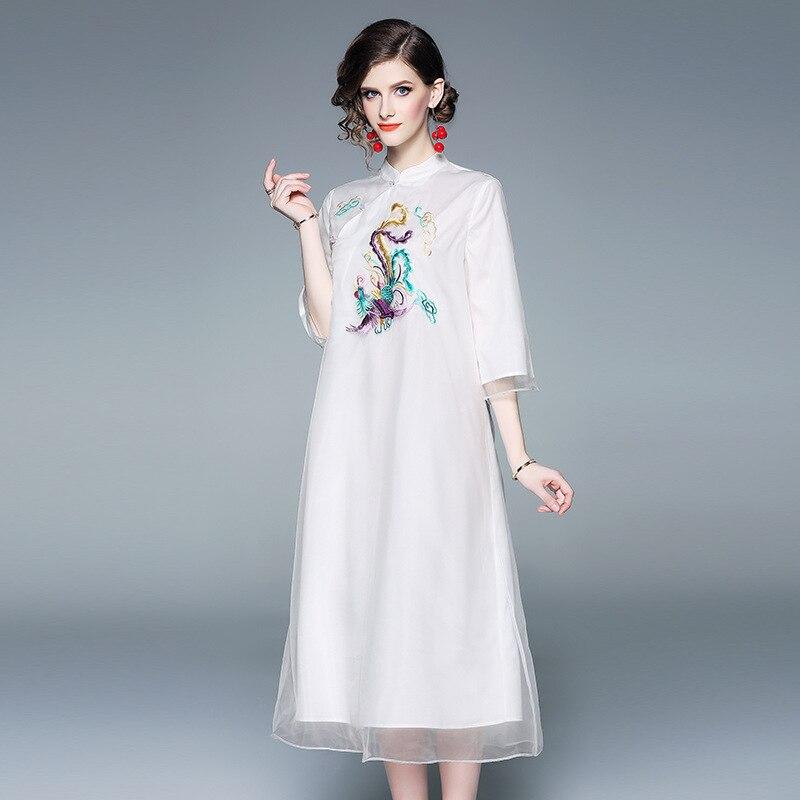 Robe blanche Style chinois 2019 printemps femmes mode Phoenix brodé élégant col montant demi manches maille robe blanc S-XXL