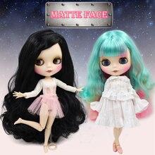 Buzlu DBS Blyth Doll mat yüz 8 çeşit saç rengi büyük meme ortak vücut 1/6 bjd el seti AB hediye olarak