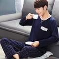 2016 otoño masculino engrosamiento de los hombres de la franela pijamas de manga larga gira el collar abajo de dibujos animados coral polar ropa de dormir camisón