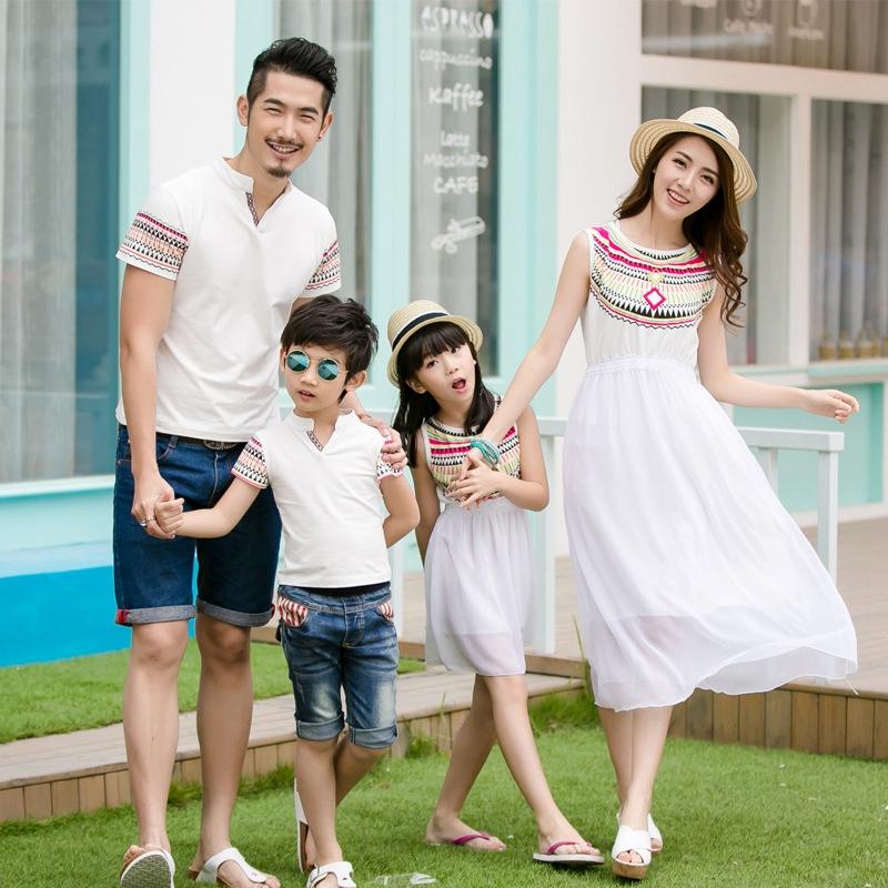 Summer Family Matching Outfits Ethnic Style Mother Daughter Beach Dresses Father And Son White T-shirt Family Clothing Sets