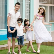 Купить с кэшбэком Summer Family Matching Outfits Ethnic Style Mother Daughter Beach Dresses Father and Son White T-shirt Family Clothing Sets