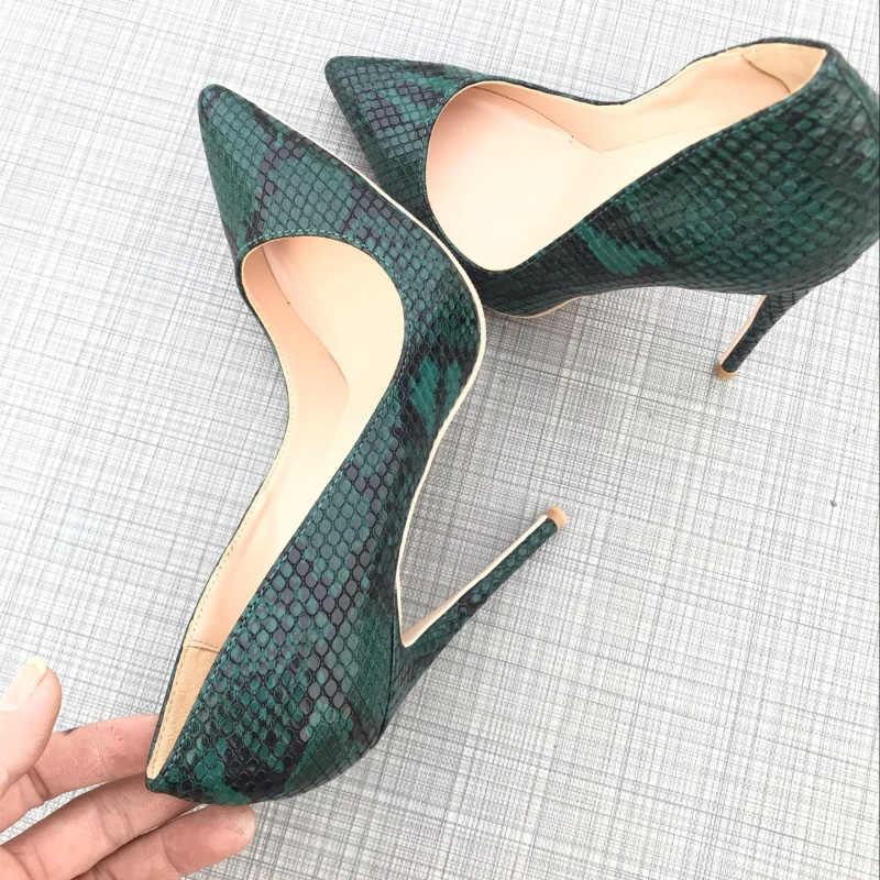 b10f81fc ... Zapatos de tacón alto de piel de serpiente verde de estilo moderno zapatos  de tacón fino