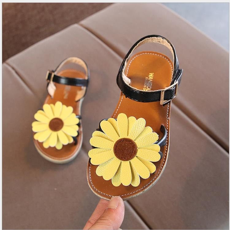 Newest Summer Kids Shoes 2019 Fashion Leathers Sweet Children Sandals For Girls Toddler Baby Breathable Hoolow Out Bow ShoesNewest Summer Kids Shoes 2019 Fashion Leathers Sweet Children Sandals For Girls Toddler Baby Breathable Hoolow Out Bow Shoes