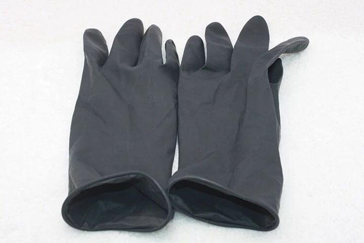 Купить с кэшбэком Newest Design Heat Resistant Glove for Hair Curling Glove Wand & Straightening Flat Iron Styling Tool For Curling Straight