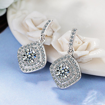 цена Authentic Real 925 Sterling Silver Vintage Allure Clear CZ Stud Earrings Women Wedding Jewelry Femme Brincos онлайн в 2017 году