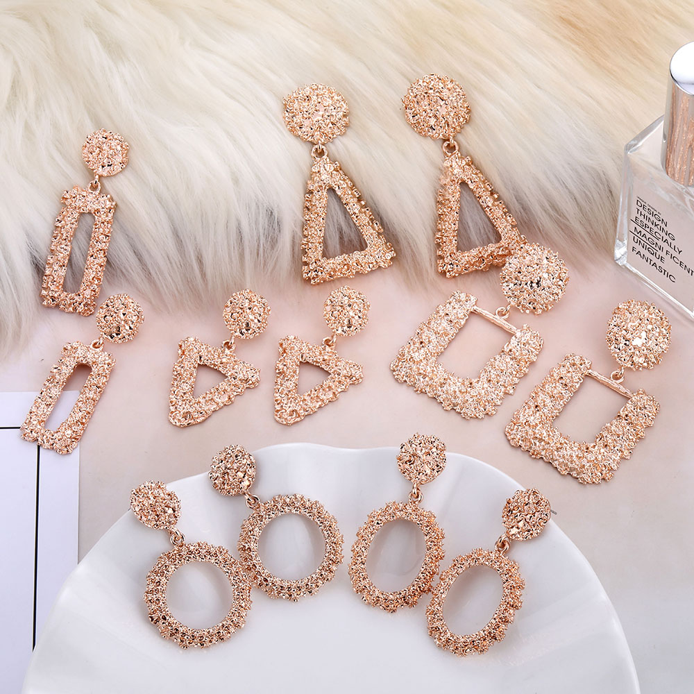 AILEND fashion geometric rose gold hanging earrings female models new Brincos hollow metal charm earrings jewelry Christmas gift