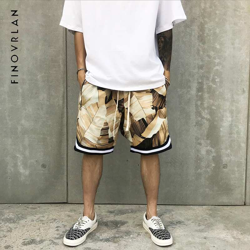 New 2018 Shorts Men Summer Hip Hop Shorts Flower Plaid Stripe Kanye West Shorts Big Pocket High Street Haren Shorts
