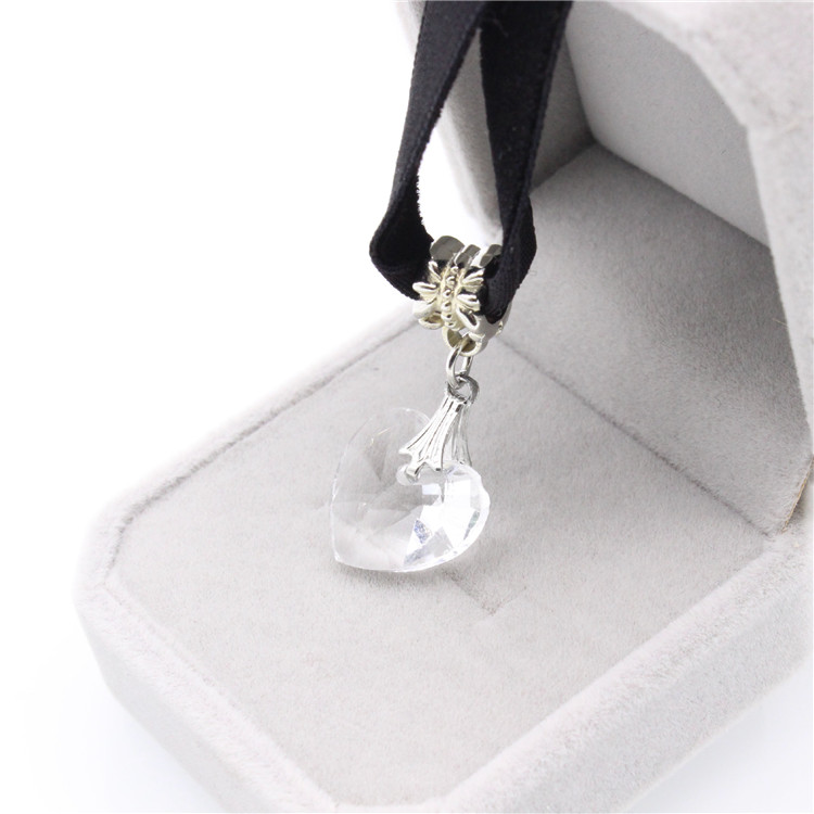 HTB1 tmWQFXXXXaaXVXXq6xXFXXXG - New Fashion Woman Velvet Choker Heart Crystal Pendant Necklaces For Women Jewelry Female Black Ribbon Necklace Party Gift Collar