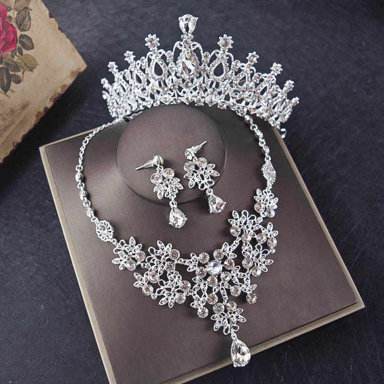 Silver Crystal Bridal Jewelry Sets Rhinestone Tiaras Crown Choker Necklace Earrings Set for Wedding Accessories Hair Ornaments