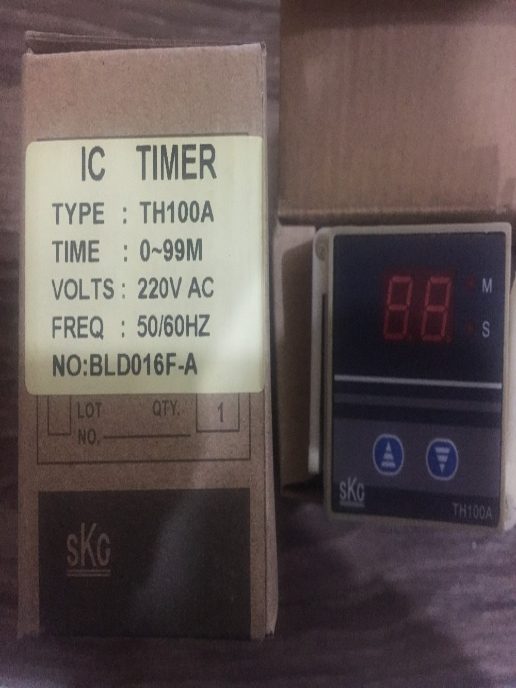 new Original temperature controller Genuine SKG smart relay SKG TH100A genuine security shelf TH100A