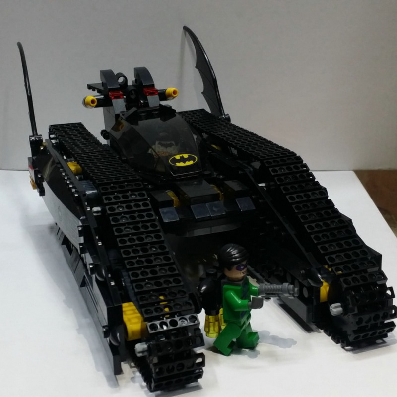 7108 506Pcs Batman Chariot Super heroes The Bat Tank Model Building Blocks Enlighten Figure Toys For Children Compatible Legoe