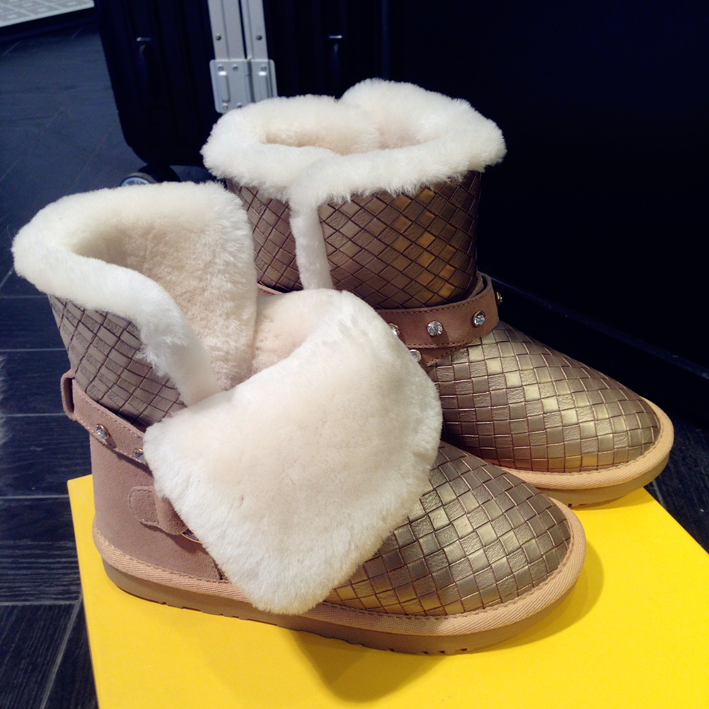 Details about women luxury diamond fashion snow boots rabbit fur boots - Size 34 43 Winter Brand Natural Wool Genuine Leather Snow Boots Fashionable Woman Shoes Diamond