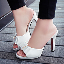 2019 New Butterfly clear heels slippes women