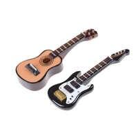 1PCS Gitarre Zubehör Puppenhaus Miniatur Instrument Teil für Home Decor Kid Holz Möbel Handwerk Ornament 1/12 Skala