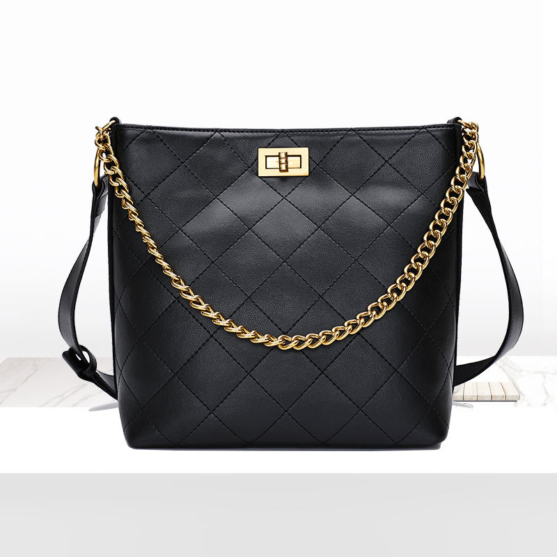2018 New Fashion Female Bag Quilted Women Genuine Leather Bucket bag wild female chain portable shoulder bag Messenger chain detail quilted bum bag