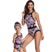 Купить с кэшбэком mother daughter swimwear family matching outfits mommy and me clothes one-piece bikini swimsuits look beach dresses clothing