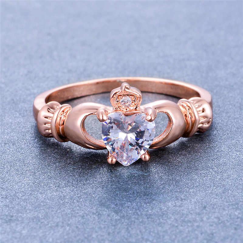 สไตล์ที่ไม่ซ้ำกันหัวใจสีขาว Zircon แหวนน่ารัก Rose Gold สีแหวนมงกุฎ Vintage Love สัญญาหมั้นแหวน