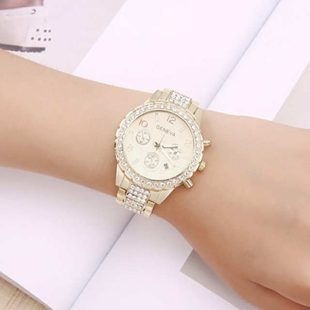 Luxury Rhinestone Couple Quartz Watches Crystal Stainless Steel Strap Lover Wrist Watches Fahsion Clock Relogio Feminino Saat