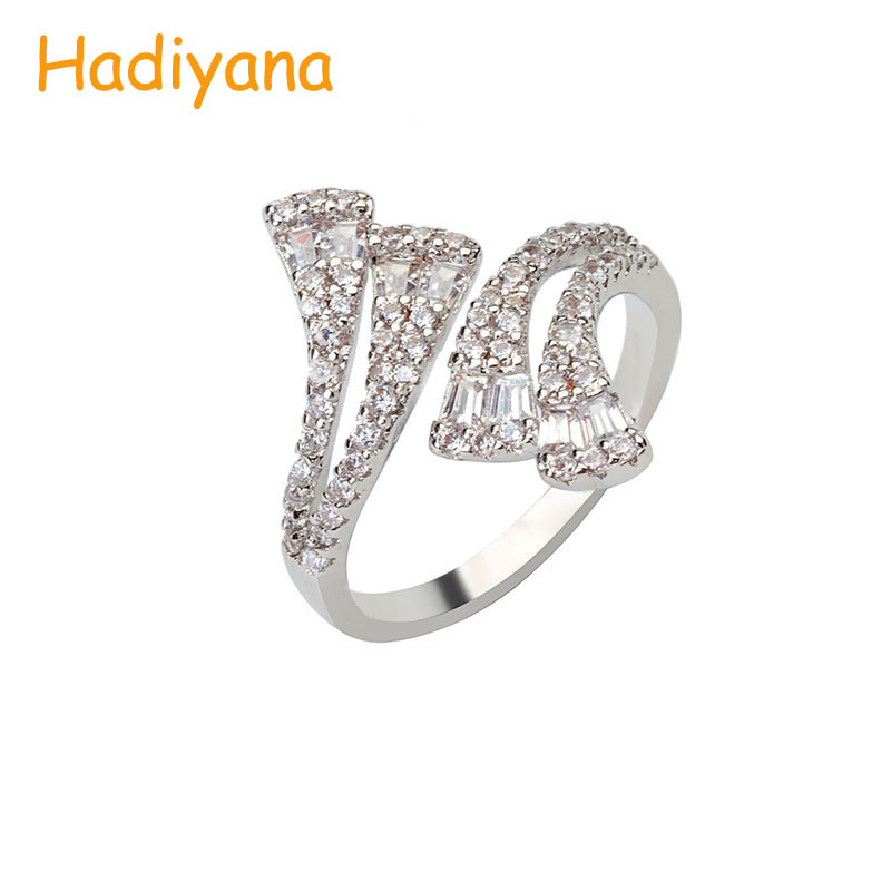 HADIYANA AAA Zircon Hot Sale Sparkling Pave Classic Fancy 3 Line Cute Finger Ring for Lady Perfect To Prom Dinner Party CP490