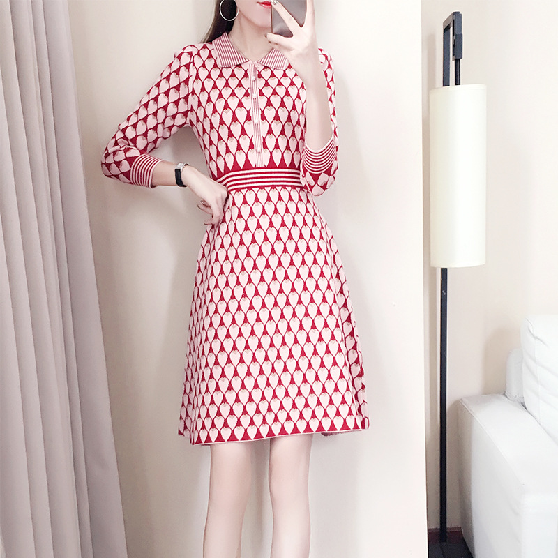 New Fashion Women Jacquard Sweater Dress Pink Gold Color Long Sleeve A Line Dresses Cute Hearts Patterns Knit Dresses
