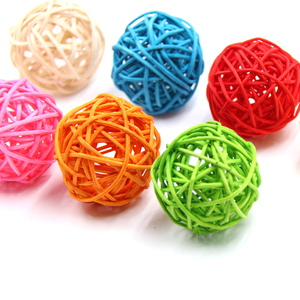 Image 2 - 10Pcs 5Cm 11 Kleuren Rotan Bal Ornamenten Sepak Takraw Thuis Kerst/Verjaardag Bruiloft Decoraties Kinderen Speelgoed houten Ballen