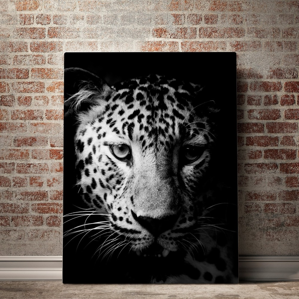Black_and_White_Cheetah_mock_up_brick_vertical_copy_7e7003d7-32ff-4b33-9161-d4281486e338_2000x