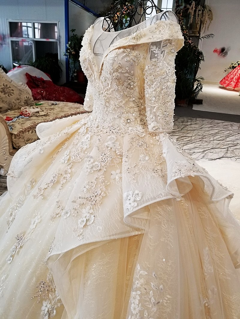 LS37810 2018 new bridal gownhalf sleeve lace up plus size formal rhinestone  bodice applique latest design peplum wedding dress -in Wedding Dresses from  ... bf5a32e702a2