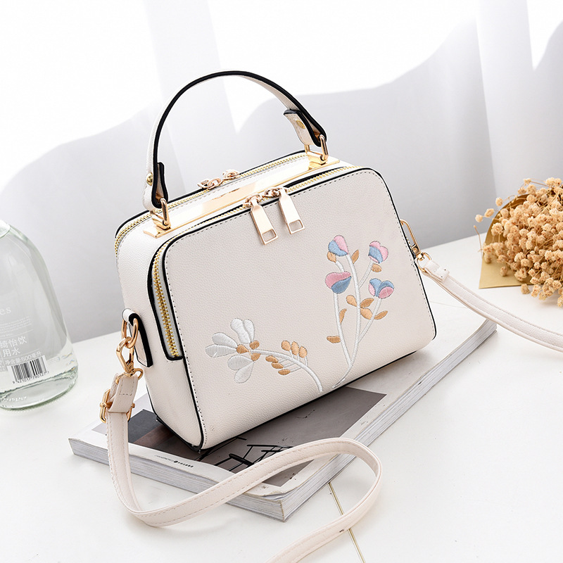 Fashion Women Leather Messenger Bag Flower Handbag Ladies Small Crossbody Bags Famous Brands Designers Shoulder Bags Girls fashion women patent leather messenger bag handbag ladies small crossbody bags women famous brands designers shoulder bags girls