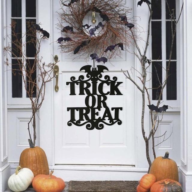 Untuk Rumah Penyihir Di Halloween Menggantung Tanda Pintu Gantung