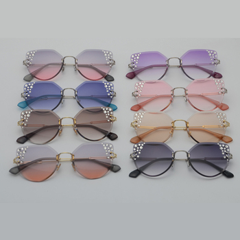 Kelly Sunglasses Accessories Sunglasses af7ef0993b8f1511543b19: clear pink|clear pueple|gold with brown|gray orange|gray pink|light brown|silver with black|silver with blue