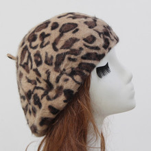 2018 New Fashion Korean Women's Hats 80% Real Rabbit Fur Female Beret Leopard Print Berets Hat For Girls Winter Warm Caps Boinas все цены