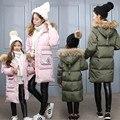Inverno da Menina jaquetas/casacos Crianças down Coats com pele real Meninas/Mãe pato grossa para baixo casaco Quente Outerwears jaquetas AA1922