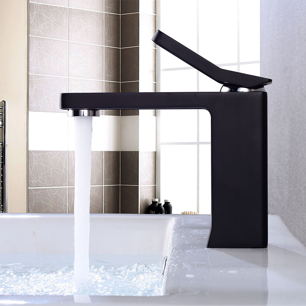Bathroom Faucets Black Painting Single Handle Hot and Cold Switch Water Mixer Taps Wash Basin Bathroom Deck Mounted Basin FaucetBathroom Faucets Black Painting Single Handle Hot and Cold Switch Water Mixer Taps Wash Basin Bathroom Deck Mounted Basin Faucet