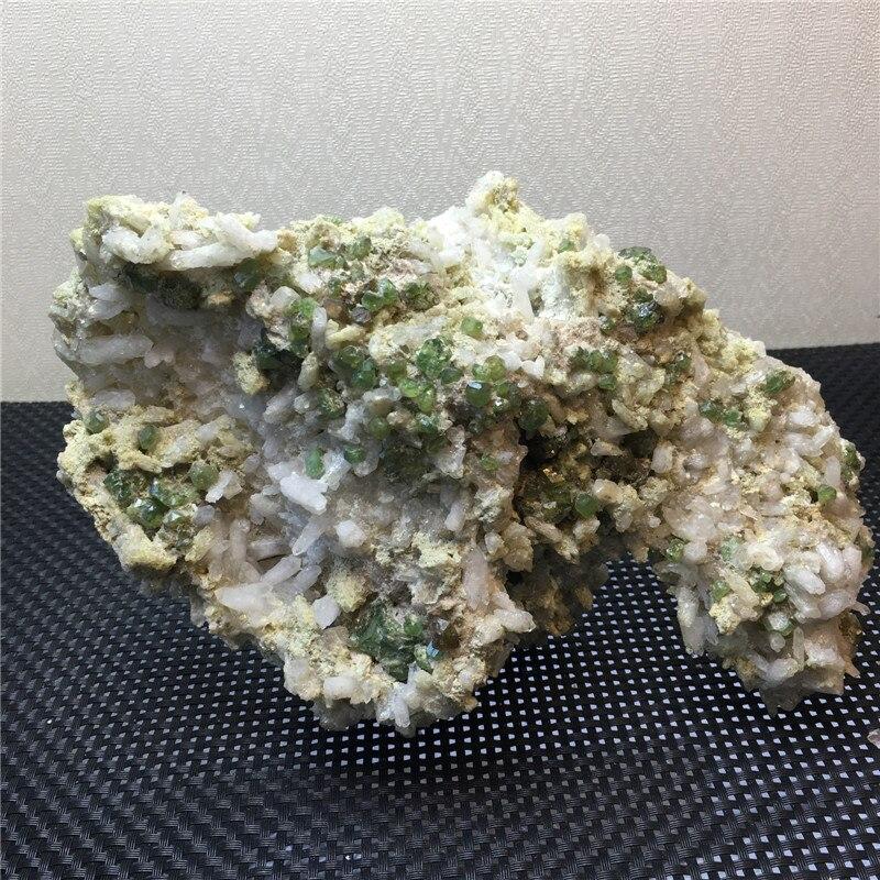 1,4 кг Уникальный Редкий натуральных камней и минералов демантоид образец Исцеление Кристаллы сырья драгоценных камней для украшения дома и