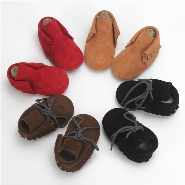 1 Par Enviar Brown Suede Leather Bebé Moccs Flecos de Cuero Mocasines Lace up Baby Boys Primer Caminante 0-24 M