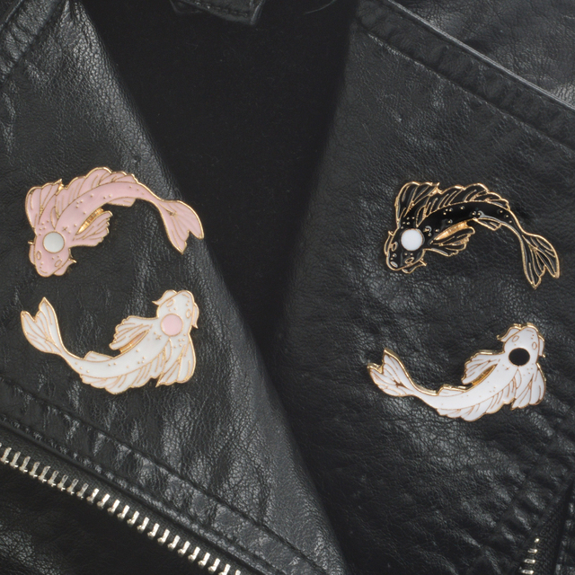 4pcs/set Koi pin set Black/white/pink 4 color Lapel pins Brooches Badges Backpack Bag Hats Accessories For men women
