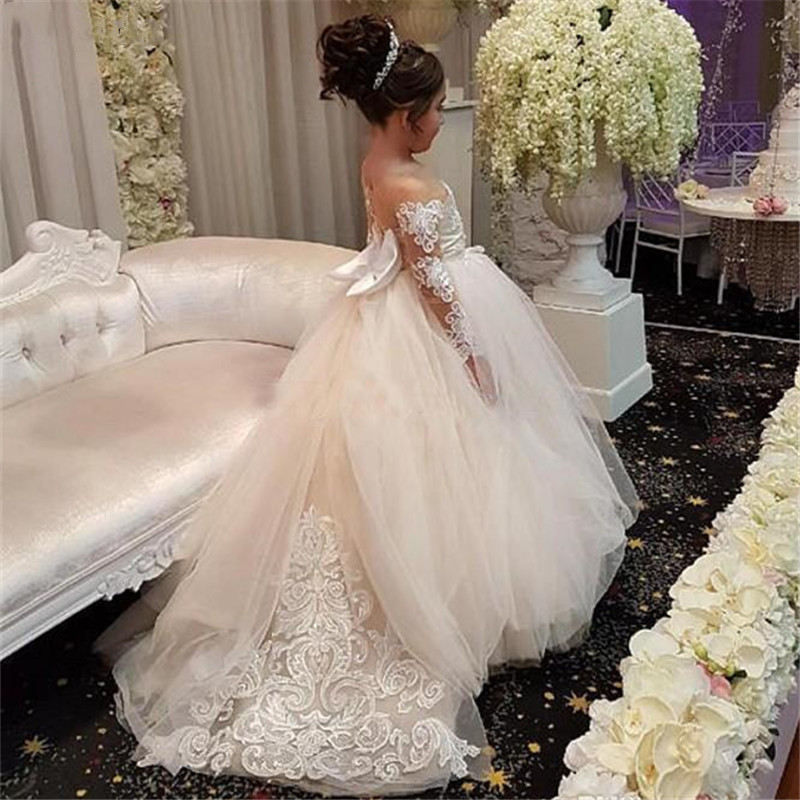 Vintage   Flower     Girl     Dresses   For Weddings Custom Made Princess Appliqued Lace Bow Kids First Communion 2019