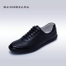 Nuevos 2017 zapatos para hombre de cuero Genuino Con Cordones de Punta Redonda zapatos Casuales para hombres de piel de Oveja de Primavera/Otoño de Envío gratis BASSIRIANA