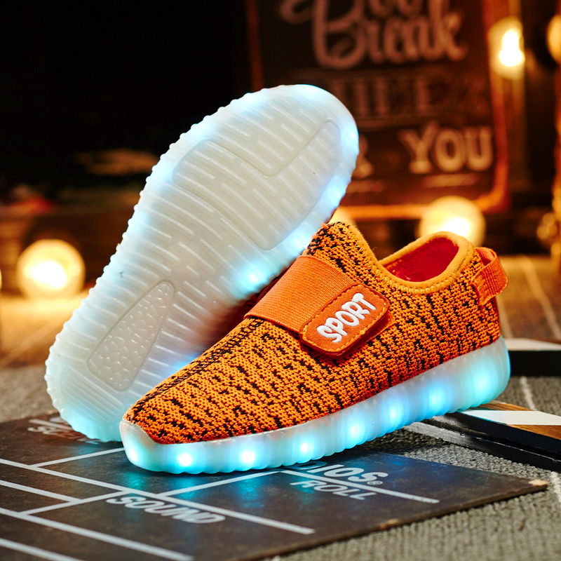 Children Glowing Sneakers Light Soles Shining LED Shoes Kids Trainers Krossovky Running Child Shoes Backlight Baby 50K102 children glowing sneakers light soles shining led shoes kids trainers krossovky running child shoes backlight baby 50k102