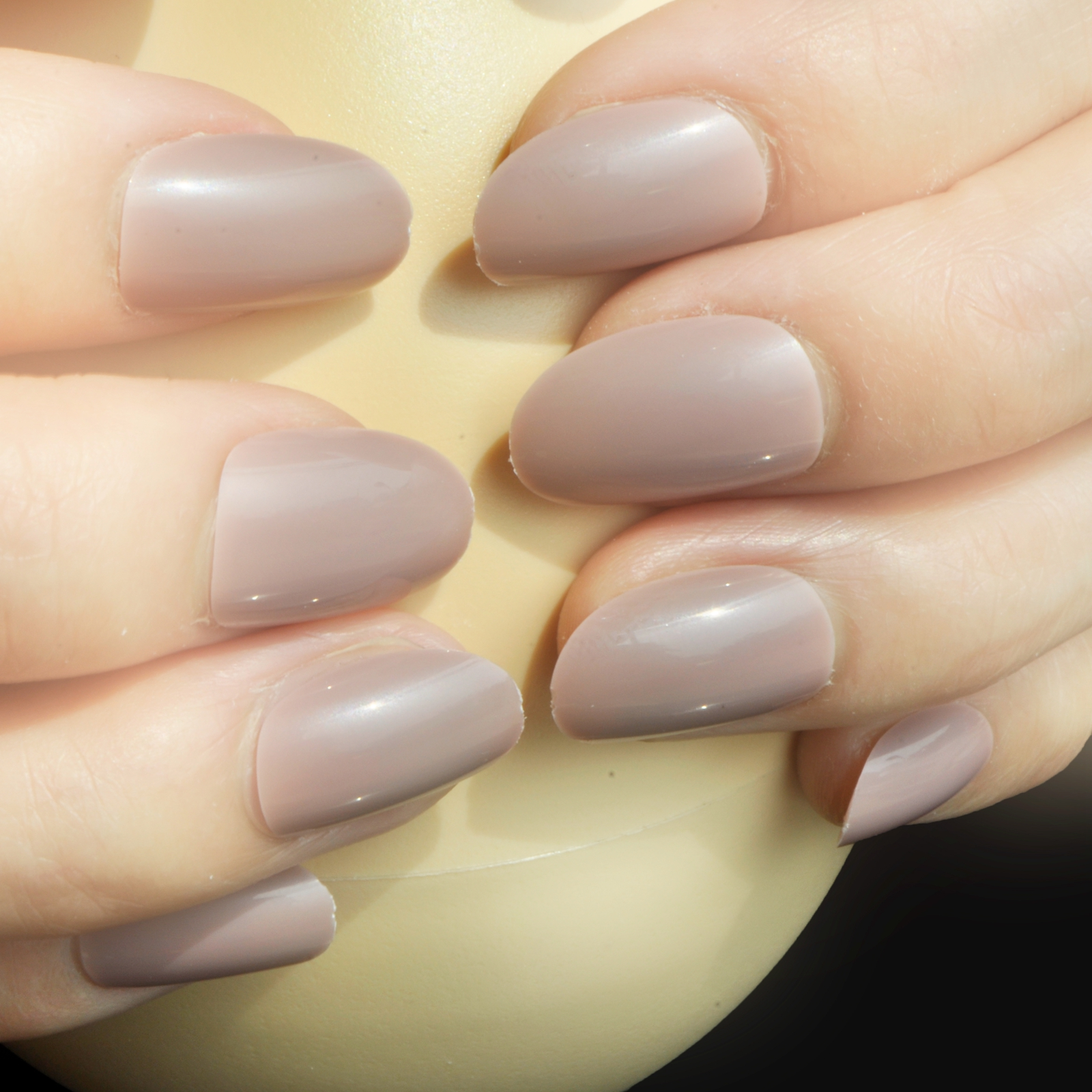 Shine False Oval Nails Candy Color Nail Rosy Brown Artificial Nail ...