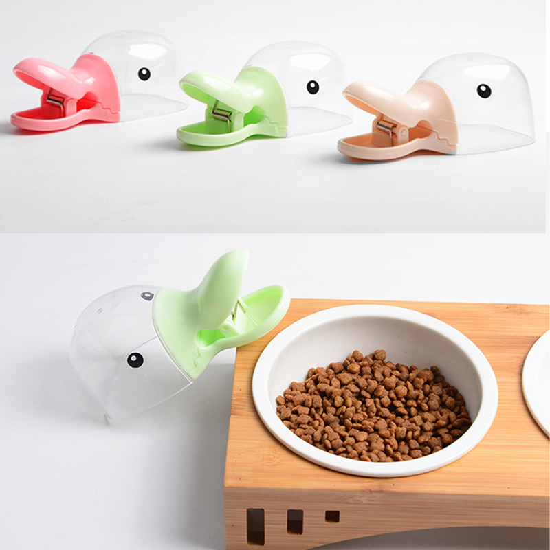 Cartoon modeling Rice Beans Measuring Scoop Spoon with Food Sealing Clip Grain shovel Rice Spoon Measuring Scoop image
