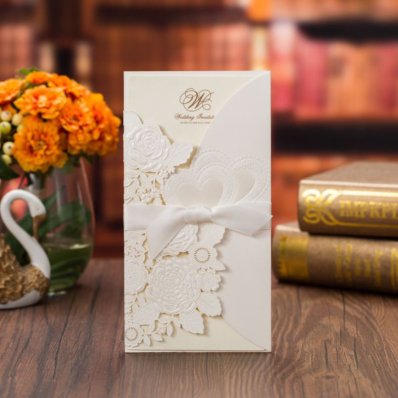 50 pieces lot Rose Flower White Wedding Invitations Card Gold Foil Double Hearts Customized Print