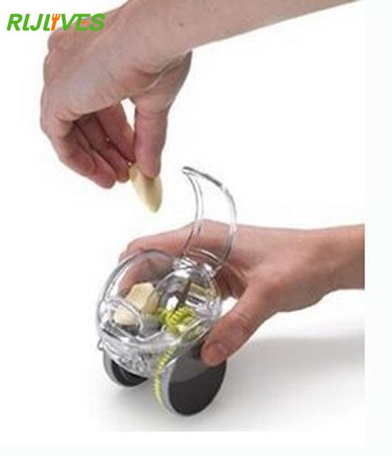 RLJLIVES Mini Garlic Chopper Crusher Grater Plastic Garlic Press Kitchen Tool Ginger Kitchen Accessories