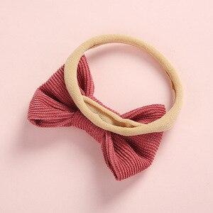 Image 3 - 20 sztuk/partia, tkanina sztruksowa łuk nylonowe opaski lub spinki do włosów, zdjęcie rekwizytu prezent na baby shower