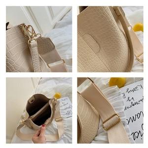 Image 4 - Ansloth Patchwork Shoulder Bag Women Crocodile Design Bucket Bag Ladies PU Leather Crossbody Bag Female Solid Color Bag HPS586