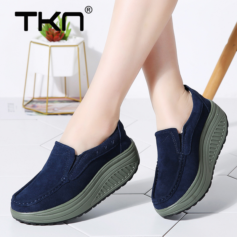 Women Winter Flats Shoes Ladies Platform Sneakers   Leather     Suede   Casual Slip on Chaussure Femme Flats Creepers Moccasins 2122