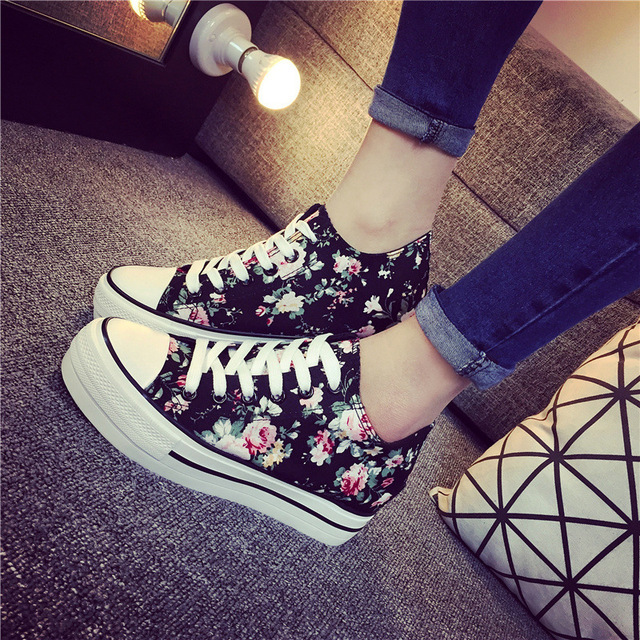 Fashion Preppy Style Platform Floral Canvas Shoes for Women Breathable Thick Sole Women Casual Shoes Girls Footwear N9153