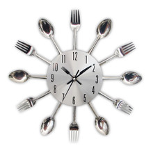цена на Fashion Metal Kitchen Wall Clocks 2019 New Arrivals Creative Spoon Fork European Quartz Modern Design Home Decor Clocks