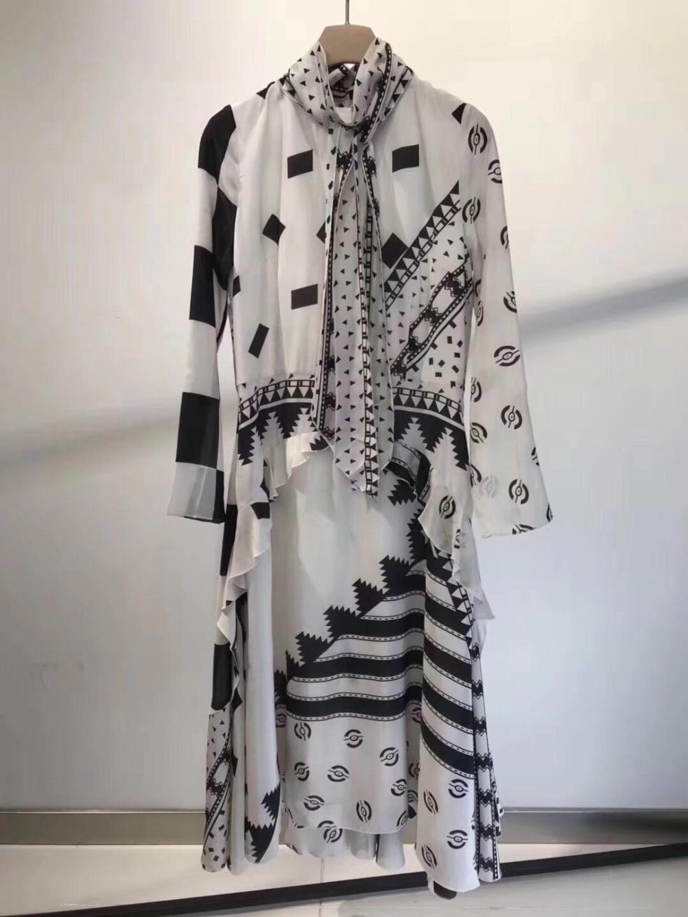 2019 new ladies fashion long sleeved turtleneck geometric print dress 0423